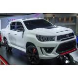 Решетка радиатора с ДХО Toyota Hilux 2016+