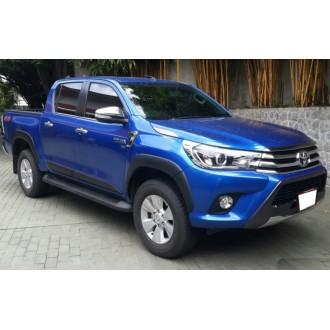 Пороги оригинальный дизайн Toyota Hilux 2017+