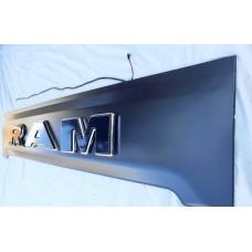 Накладка на задний бампер с LED Dodge Ram 2009+