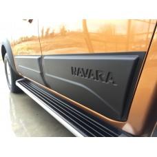 Накладки на двери Nissan Navara 2019+
