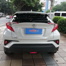 Катафот центральный в задний бампер Toyota C-HR