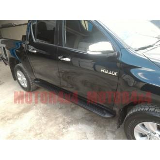 Пороги черные Toyota Hilux 2016+